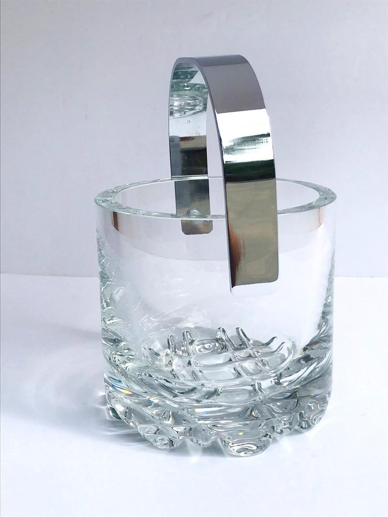 1970s Vintage Crystal Ice Bucket with Ice Glass Design For Sale 2