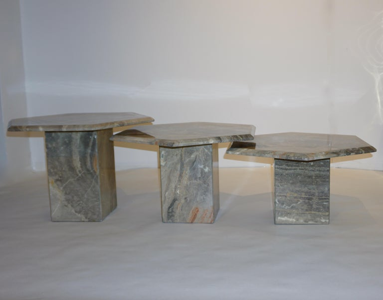 Vintage Italian 3 Geometric White Gray and Red Vein Marble Nesting Tables 1970s  For Sale 6