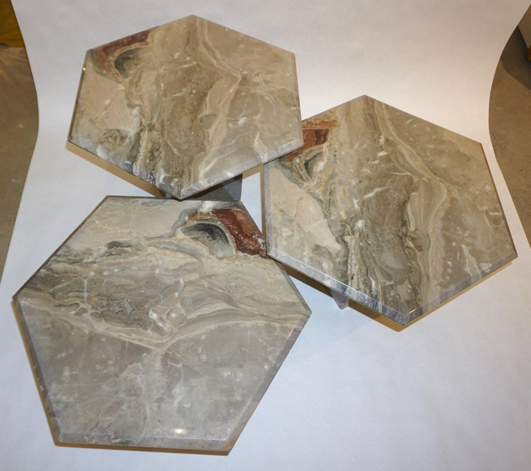 Vintage Italian 3 Geometric White Gray and Red Vein Marble Nesting Tables 1970s  For Sale 1