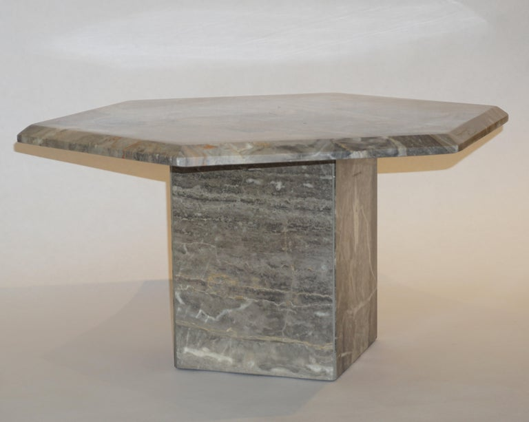 Vintage Italian 3 Geometric White Gray and Red Vein Marble Nesting Tables 1970s  For Sale 3