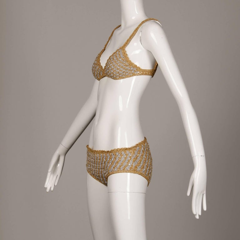 1970s Vintage Moggie Metallic Gold + Silver Crochet Bikini 2-Piece Swimsuit In Excellent Condition For Sale In Sparks, NV