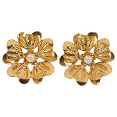 1970's Vintage Rare Chanel Gold Flower Pearl Earrings