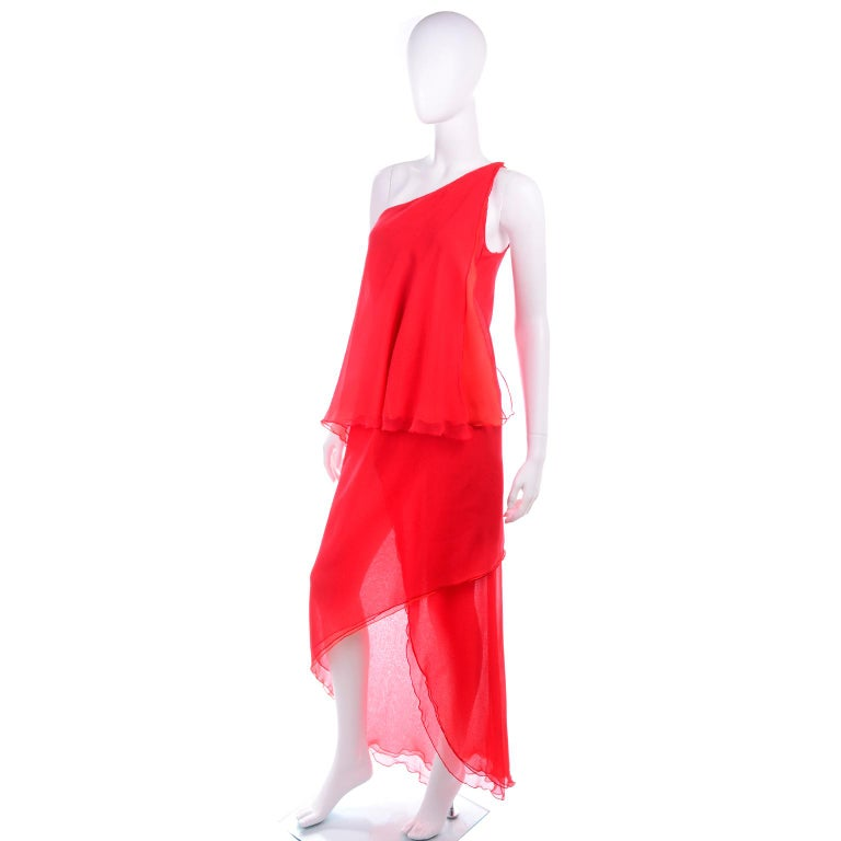 1970s Vintage Victor Costa Tomato Red Chiffon One Shoulder Evening Dress In Good Condition For Sale In Portland, OR