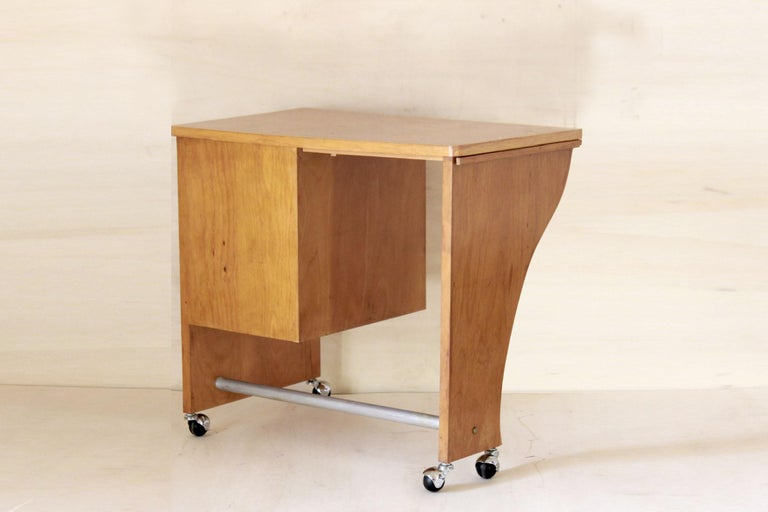 1970s Vintage Wood Desk Table In Good Condition For Sale In Ceglie Messapica, IT
