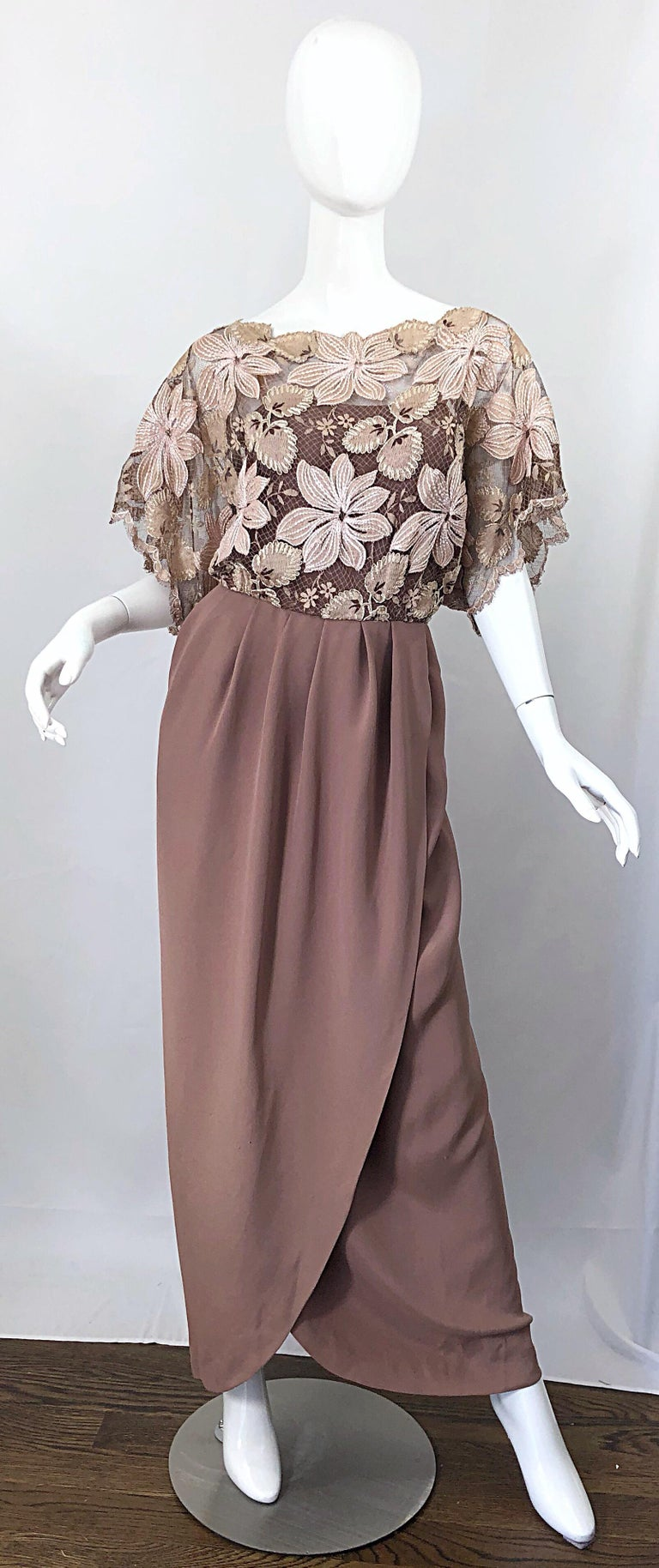 1970s Werle of Beverly Hills Demi Couture Taupe Lace Crochet Vintage 70s Gown For Sale 9