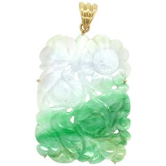 1970s White and Green Carved Jadeite Pendant