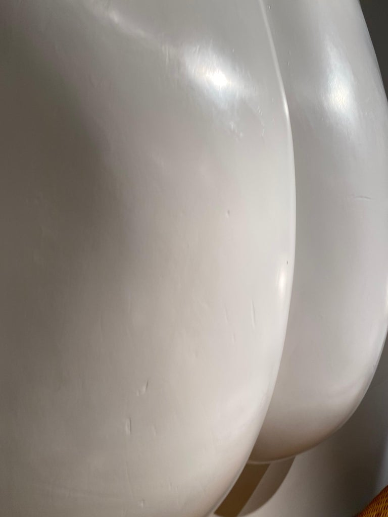 1970s White Resin Womans Back Sculpture by Luiza Miller For Sale 5