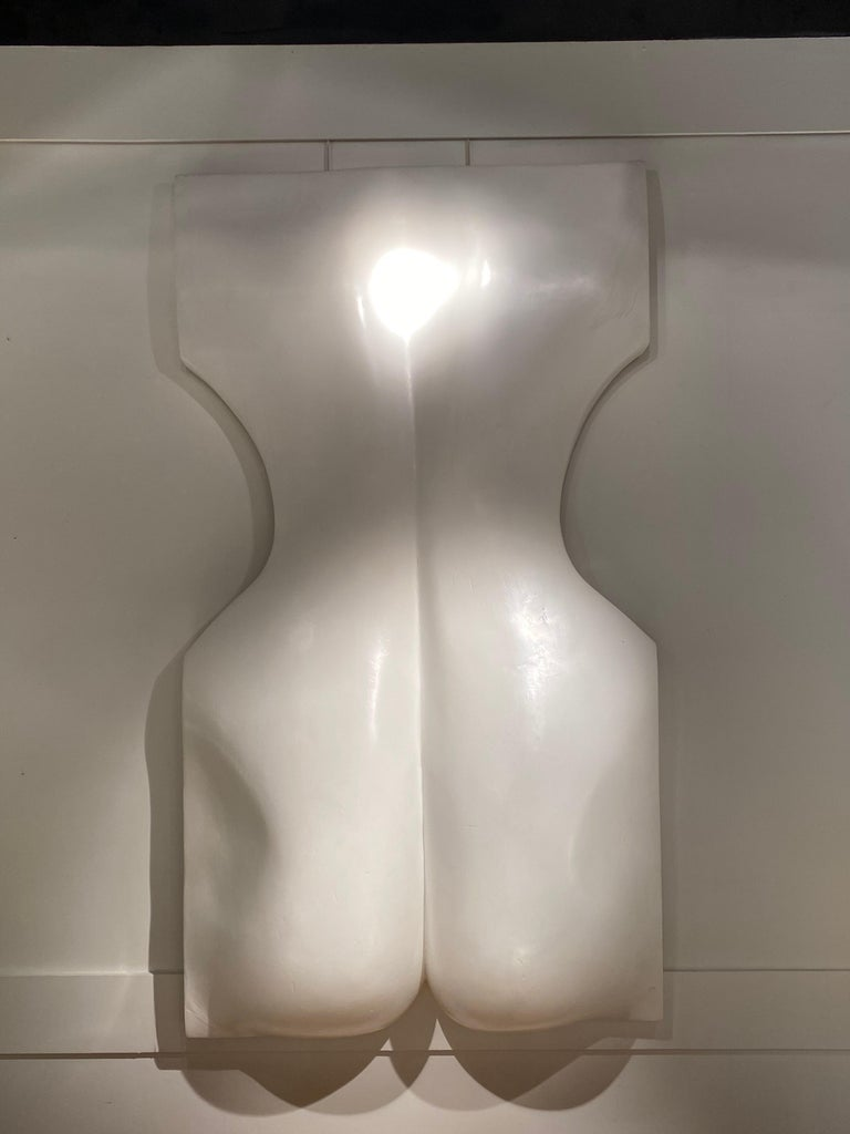 French 1970s White Resin Womans Back Sculpture by Luiza Miller For Sale