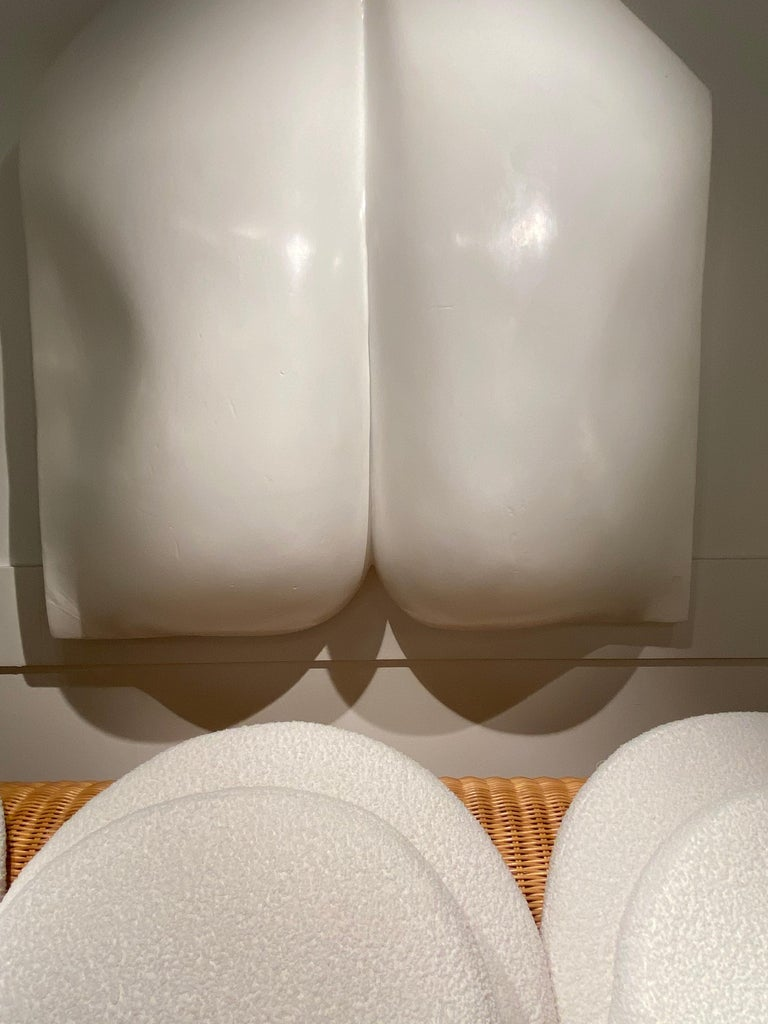 1970s White Resin Womans Back Sculpture by Luiza Miller For Sale 2
