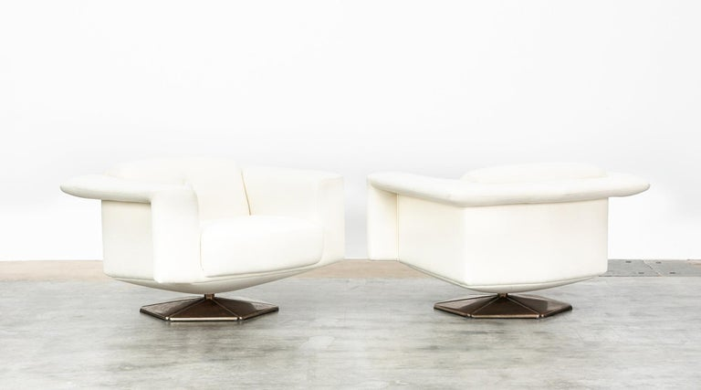 Mid-Century Modern 1970s White Upholstery on Zinc Base Lounge Chairs by Voitto Happalainen For Sale