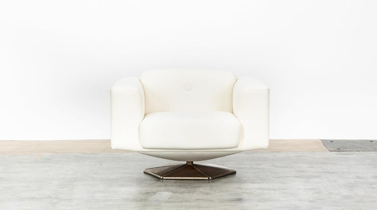Finnish 1970s White Upholstery on Zinc Base Lounge Chairs by Voitto Happalainen For Sale