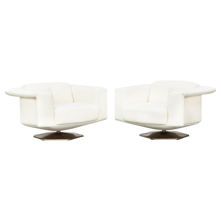1970s White Upholstery on Zinc Base Lounge Chairs by Voitto Happalainen For Sale