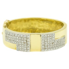 1970s Wide Geometric Pave Diamond 18 Karat Yellow Gold Bangle Bracelet