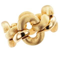 1970s Wide Gold Link Bracelet
