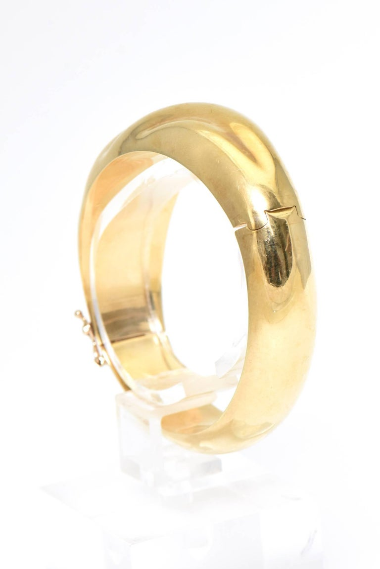 Women's 1970s Wide Yellow Gold Wave Bangle Bracelet For Sale
