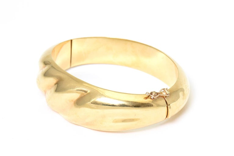 1970s Wide Yellow Gold Wave Bangle Bracelet For Sale 1