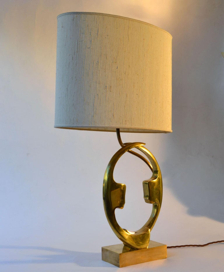 1970s Willi Daro Bronze Table Lamp with Silhouette Faces For Sale 3