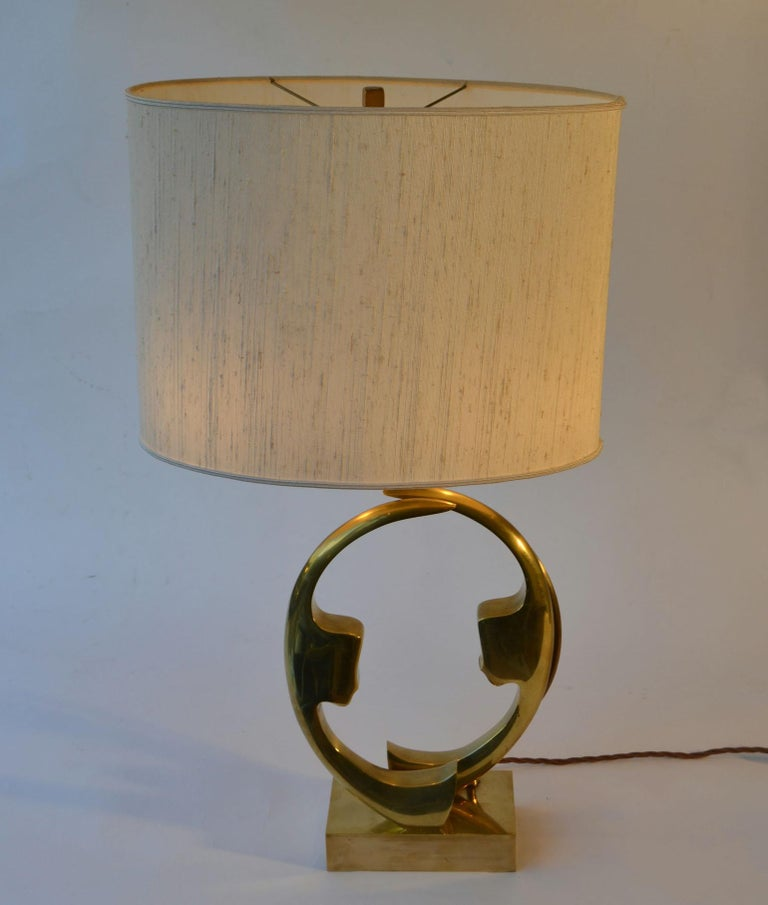 Mid-Century Modern 1970s Willi Daro Bronze Table Lamp with Silhouette Faces For Sale