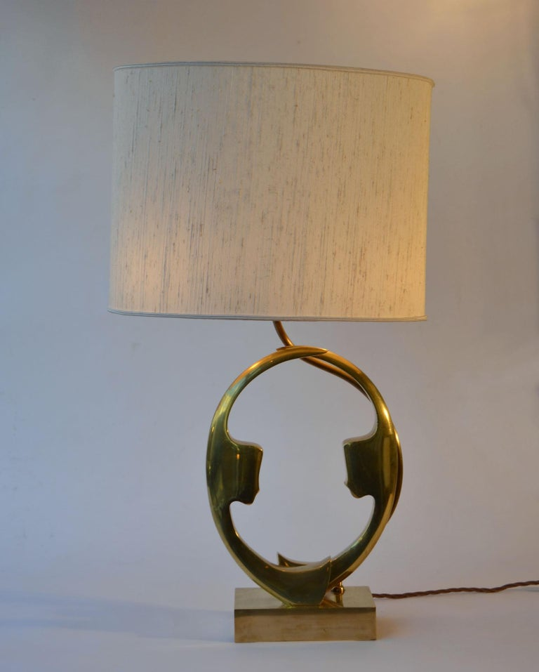 1970s Willi Daro Bronze Table Lamp with Silhouette Faces For Sale 1