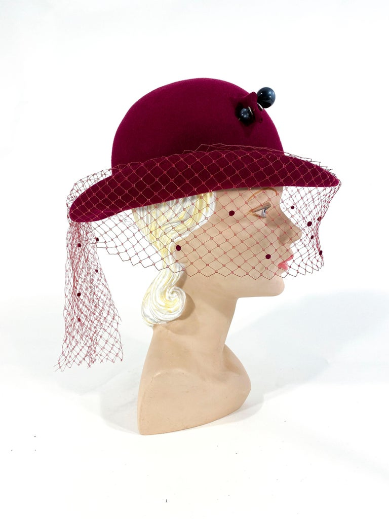 Beige 1970s Wine Felt Derby With Hatpin and Veil For Sale
