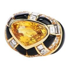 1970's Yellow Ceylon 7.80 Carats Sapphire Diamond Onyx 18k Gold Heart Retro Cock