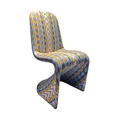 1970s Z Chair Upholstered in Grey, Ivory, Charcoal and Yellow Abstract Jacquard