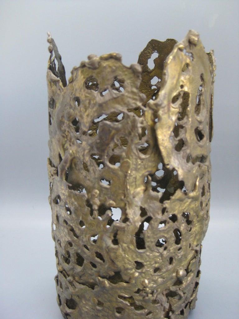 1971 Brutalist Torch-Cut Brass Candleholder Vase Sculpture Artist Signed For Sale 3