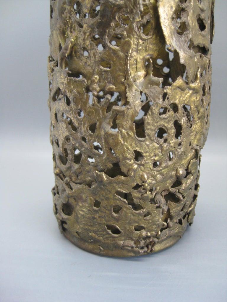 1971 Brutalist Torch-Cut Brass Candleholder Vase Sculpture Artist Signed For Sale 4