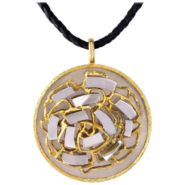 1971 Kutchinsky Abstract Design Mirror-Finish and Textured Gold Pendant For Sale