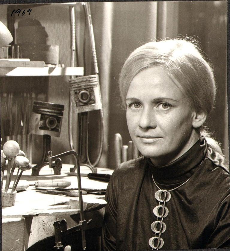 1971 Theresia Hvorslev for Alton 18 Karat Gold Swedish Modernist Pendant For Sale 2