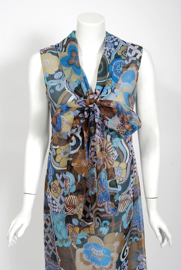 Vintage 1972 Pierre Balmain Haute-Couture Floral Silk Scarf-Neck Dress & Jacket In Excellent Condition For Sale In Beverly Hills, CA