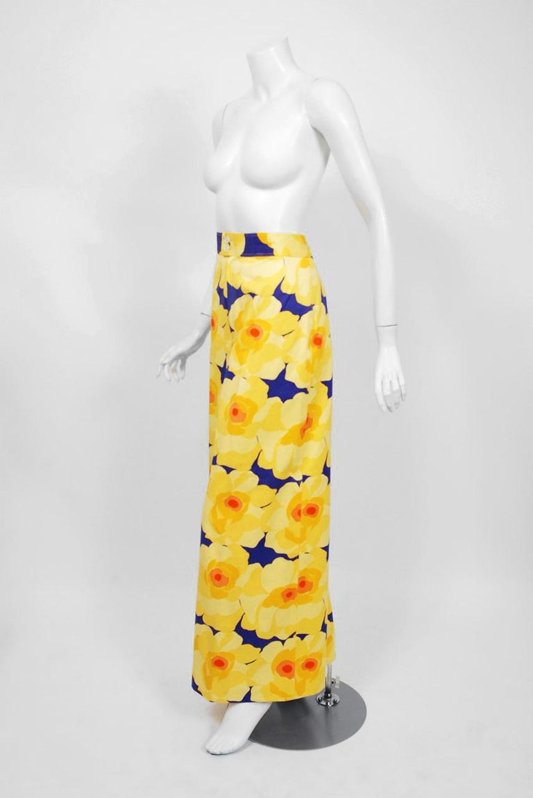 Vintage 1972 Yves Saint Laurent Haute Couture Documented Bold Floral Pantsuit  For Sale 3