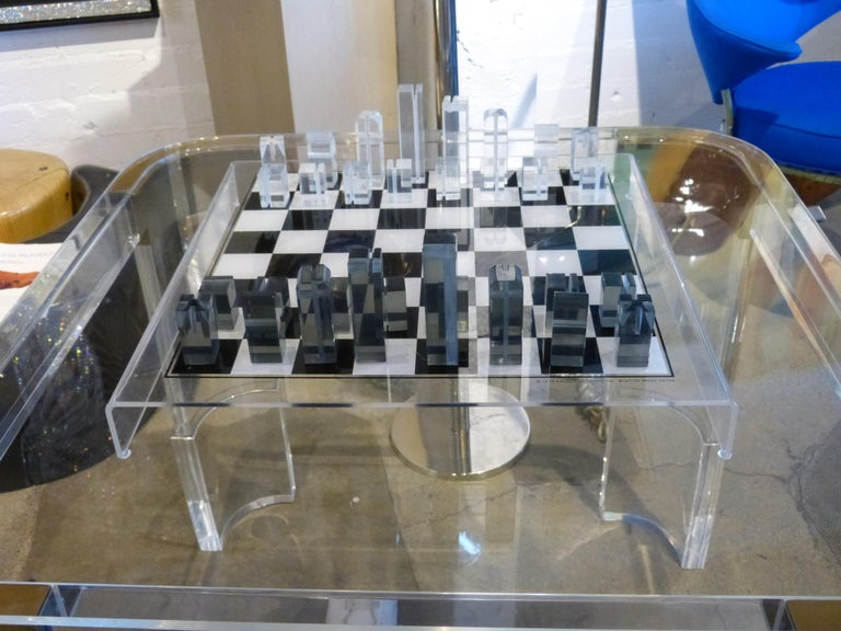 1973 Executive Games Acrylic Chess Set with Board For Sale 5