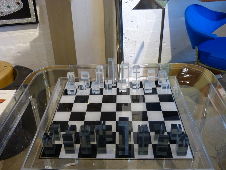 1973 Executive Games Acrylic Chess Set with Board For Sale 6