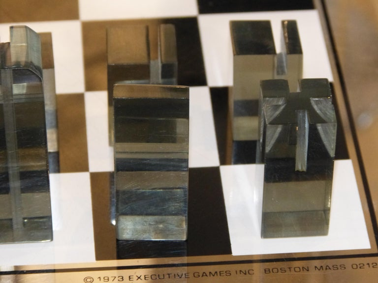 1973 Executive Games Acrylic Chess Set with Board For Sale 1