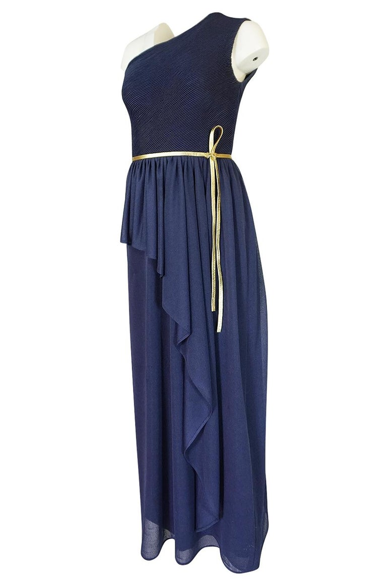 Women's 1973 Hubert de Givenchy Haute Couture One Shoulder Dress with Cape Overlay For Sale