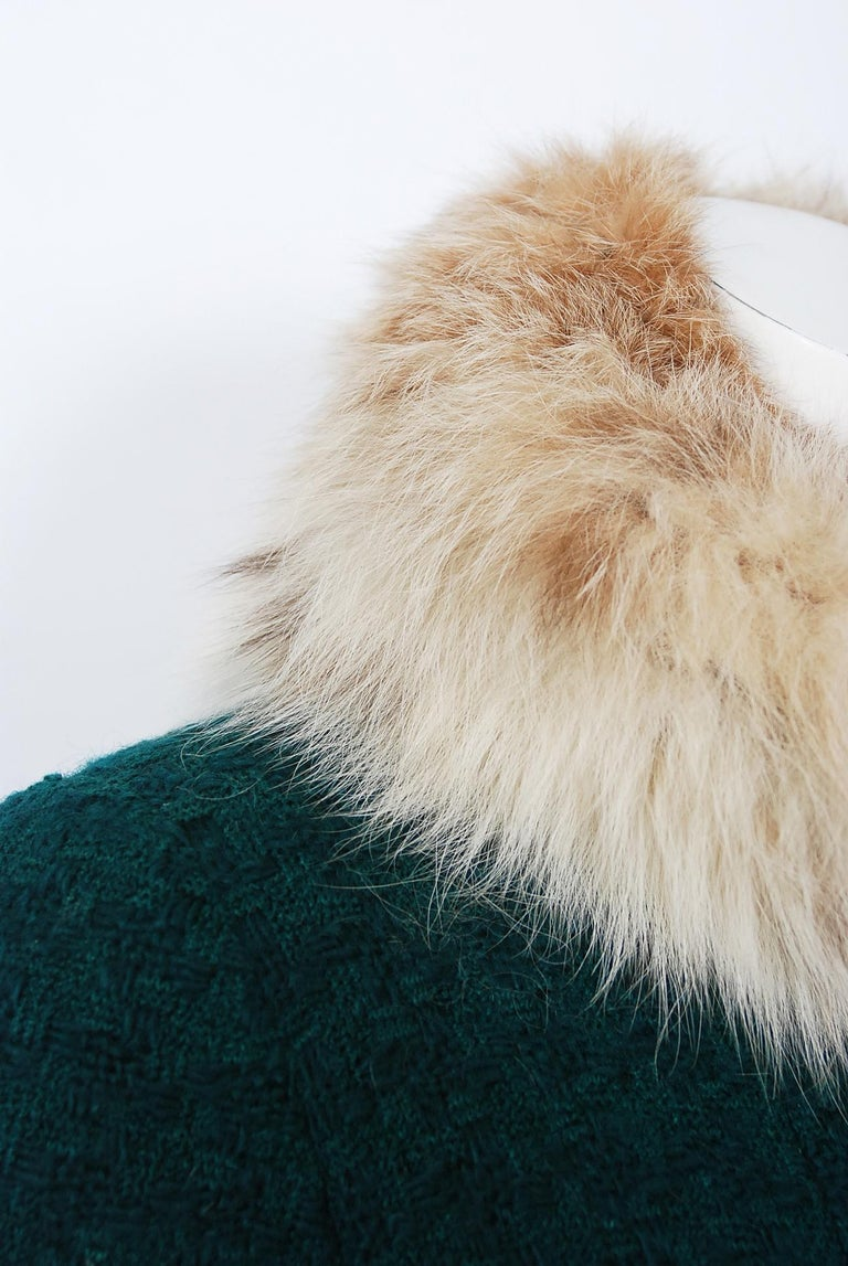 1974 Chanel Haute-Couture Forest Green Boucle Wool & Genuine Fox-Fur Jacket Coat In Good Condition For Sale In Beverly Hills, CA