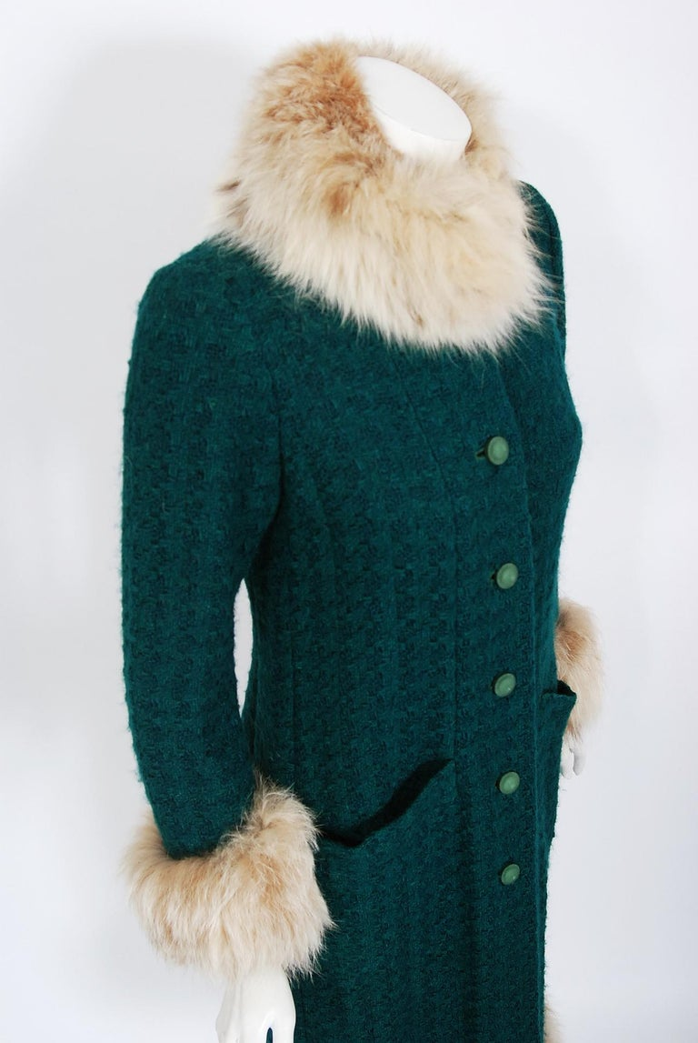 Women's or Men's 1974 Chanel Haute-Couture Forest Green Boucle Wool & Genuine Fox-Fur Jacket Coat For Sale
