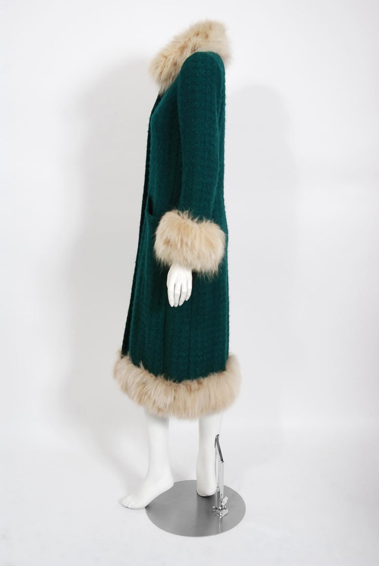 1974 Chanel Haute-Couture Forest Green Boucle Wool & Genuine Fox-Fur Jacket Coat For Sale 2