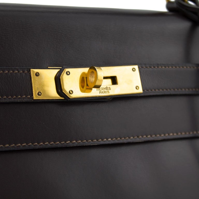 1974 Hermes 32cm Kelly Bag in Dark Brown Box Leather In Excellent Condition For Sale In Toronto, Ontario