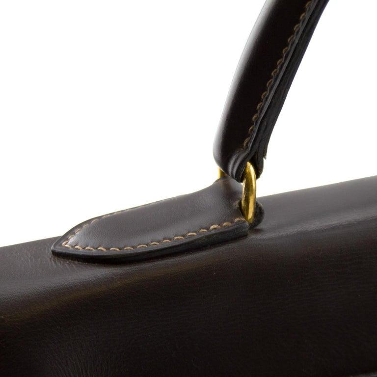 Women's or Men's 1974 Hermes 32cm Kelly Bag in Dark Brown Box Leather For Sale