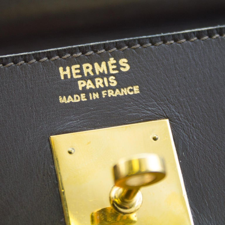 1974 Hermes 32cm Kelly Bag in Dark Brown Box Leather For Sale 1