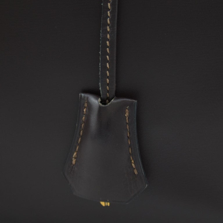 1974 Hermes 32cm Kelly Bag in Dark Brown Box Leather For Sale 2