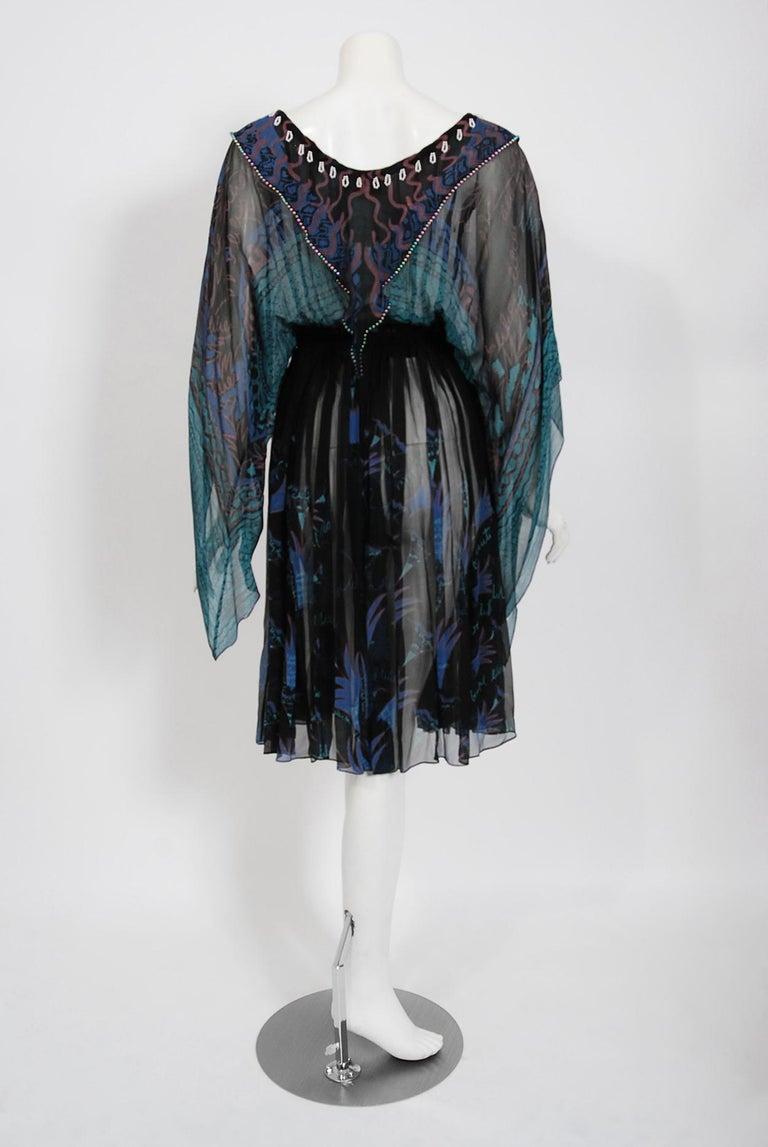 Vintage 1974 Zandra Rhodes Field Of Lilies Hand-Painted Silk Angel Sleeve Dress For Sale 4