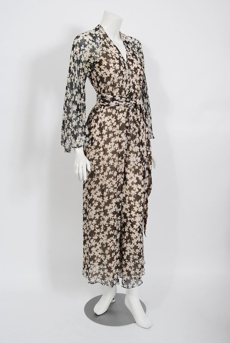1975 Halston Couture Black & Ivory Clover Print Silk Bell-Sleeve Belted Jumpsuit In Good Condition For Sale In Beverly Hills, CA