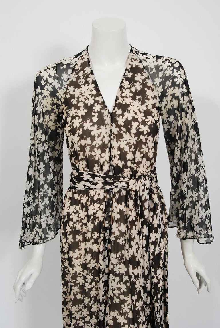 Women's 1975 Halston Couture Black & Ivory Clover Print Silk Bell-Sleeve Belted Jumpsuit For Sale