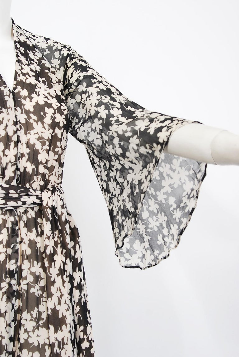 1975 Halston Couture Black & Ivory Clover Print Silk Bell-Sleeve Belted Jumpsuit For Sale 3