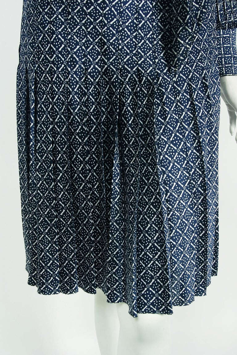 1975 Valentino Couture Navy & White Print Silk Ascot-Bow Belted Pleated Dress For Sale 1