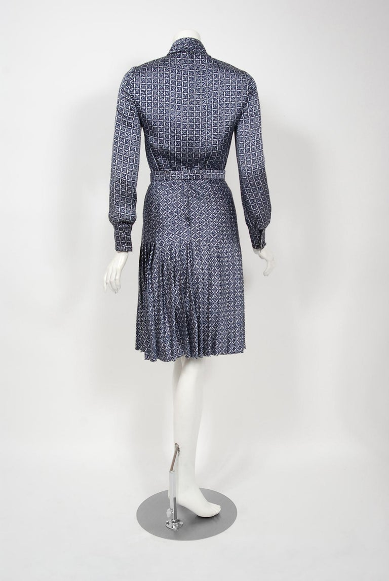1975 Valentino Couture Navy & White Print Silk Ascot-Bow Belted Pleated Dress For Sale 2