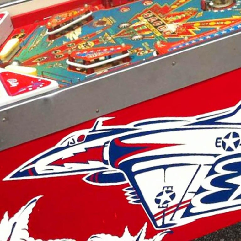 1977 Six Million Dollar Man Pinball Machine by Bally In Good Condition For Sale In Weybridge, Surrey